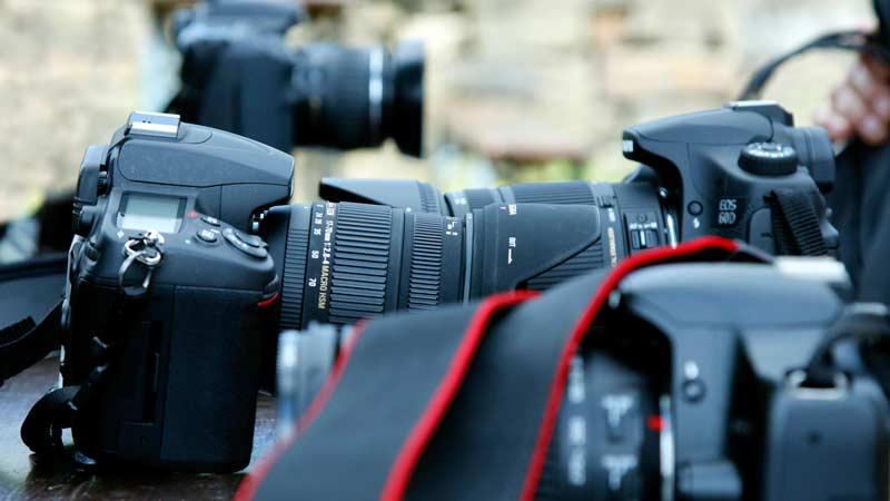 Schwarze Foto-Digitalkameras